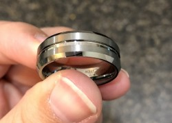 Brand new 8mm men's tungsten wedding band, size