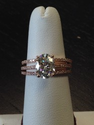 18 KT Rose Gold Wedding Set - 9X7 mm Center Stone