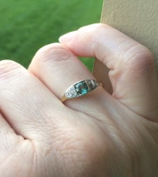 Vintage 14k white and yellow gold green and diamnd